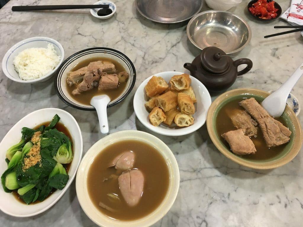 シンガポール 肉骨茶 バクテー