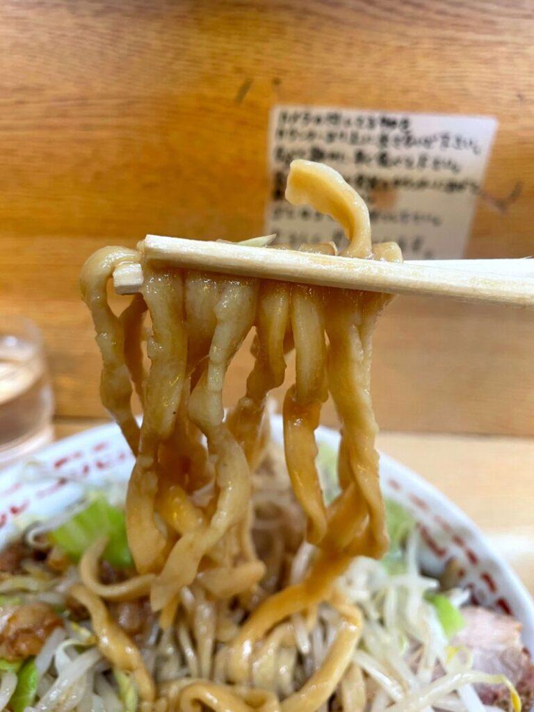 二郎環七新代田店の麺